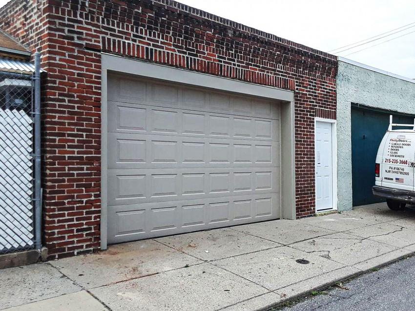 Commercial Garage Door - RGD1
